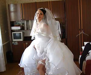 Best men takes off sexy white garters instead of husband