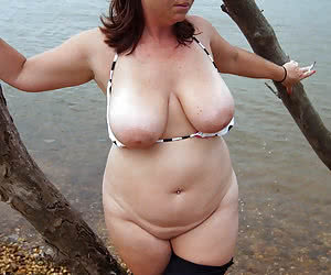 Chubby and sexy mature nudist housewives