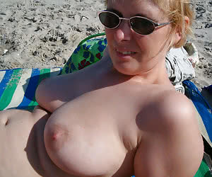 Naked bodies and tits of real nudist BBWs