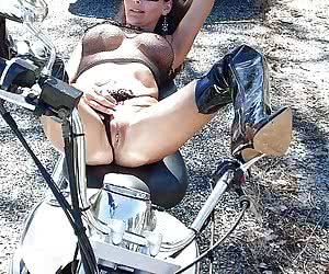 Related gallery: bikes-and-babes (click to enlarge)