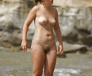 A nude slut at the Negril