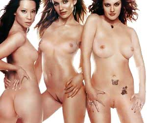 Cameron Diaz and two of her naked girlfriends (and it's not always only her boobs)!