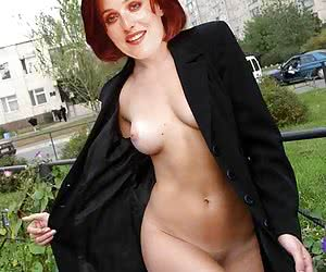 Showing her naked tits is not the only thing that Gillian Anderson can do for her fans' joy!
