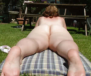 Fat mature dames photographed from back