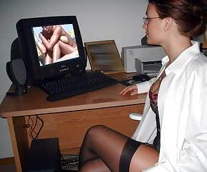 amateur girls at computer naked