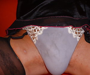 A crossdresser in nylons gal gal