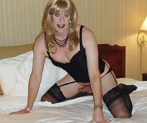 Amateur crossdressers posing gal