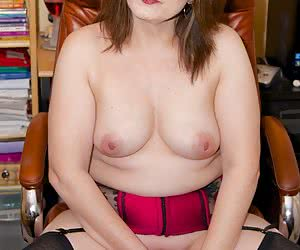 Hi Guys Morgan here at the office and Im not in the mood to do much work today, My pussy is crying out for some attentio