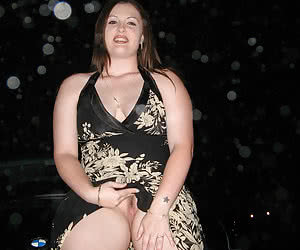 Chubby mature housewives prefer to be nude in their cars