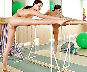 Flexy fetish girls