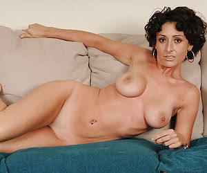 Naked HouseWives