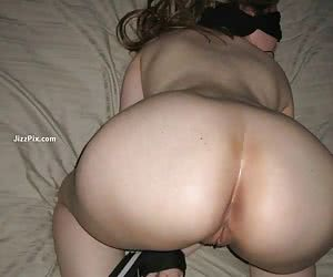 Amateur girl next door gives oral sex and gets facialized