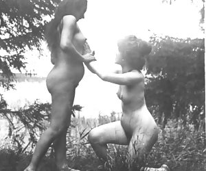 Related gallery: lesbian-vintage (click to enlarge)