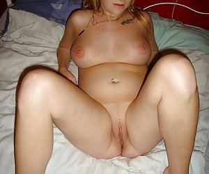 Amanda, nude pregnant young housewife exposing all of her nude body.