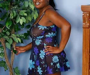 Fat ebony girl shows her huge body