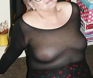 Hi Guyz.Hope your ready for some awesome cock hardening open leg shots.I am hot and wet and waiting for you to cum by.Bi
