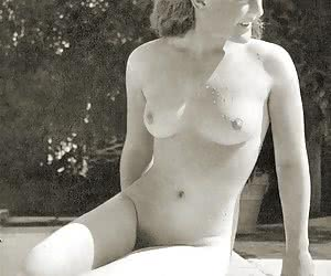 Retro Nudist