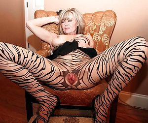 Category: hottest milf ever